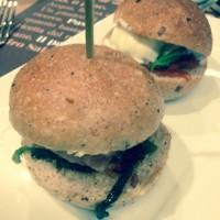 50 panino: dopo 50 kalò e la nuova pizza, ora Ciro Salvo prova con l'hamburger